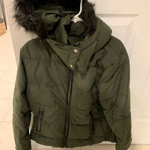Old navy puffer jacket. Green large